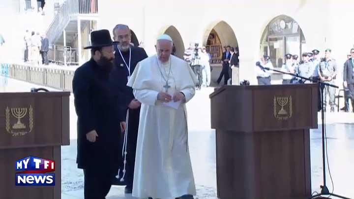 Bergoglio au mur des Lamentations