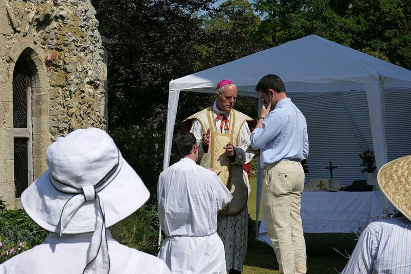 Réordination abbé Juan Antonio Iglesias par Mgr Williamson