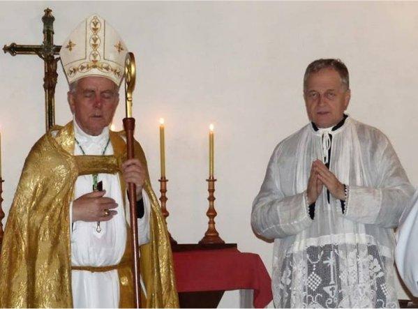 Mgr Williamson et l'abbé Jean-Michel Faure